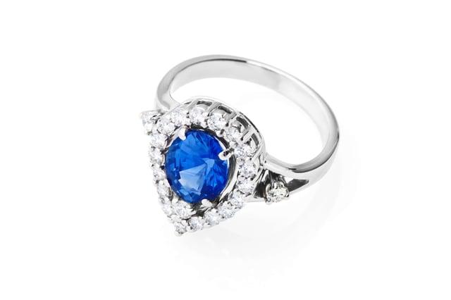 emerald engagement rings