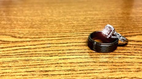 jewelry-2792854_1920