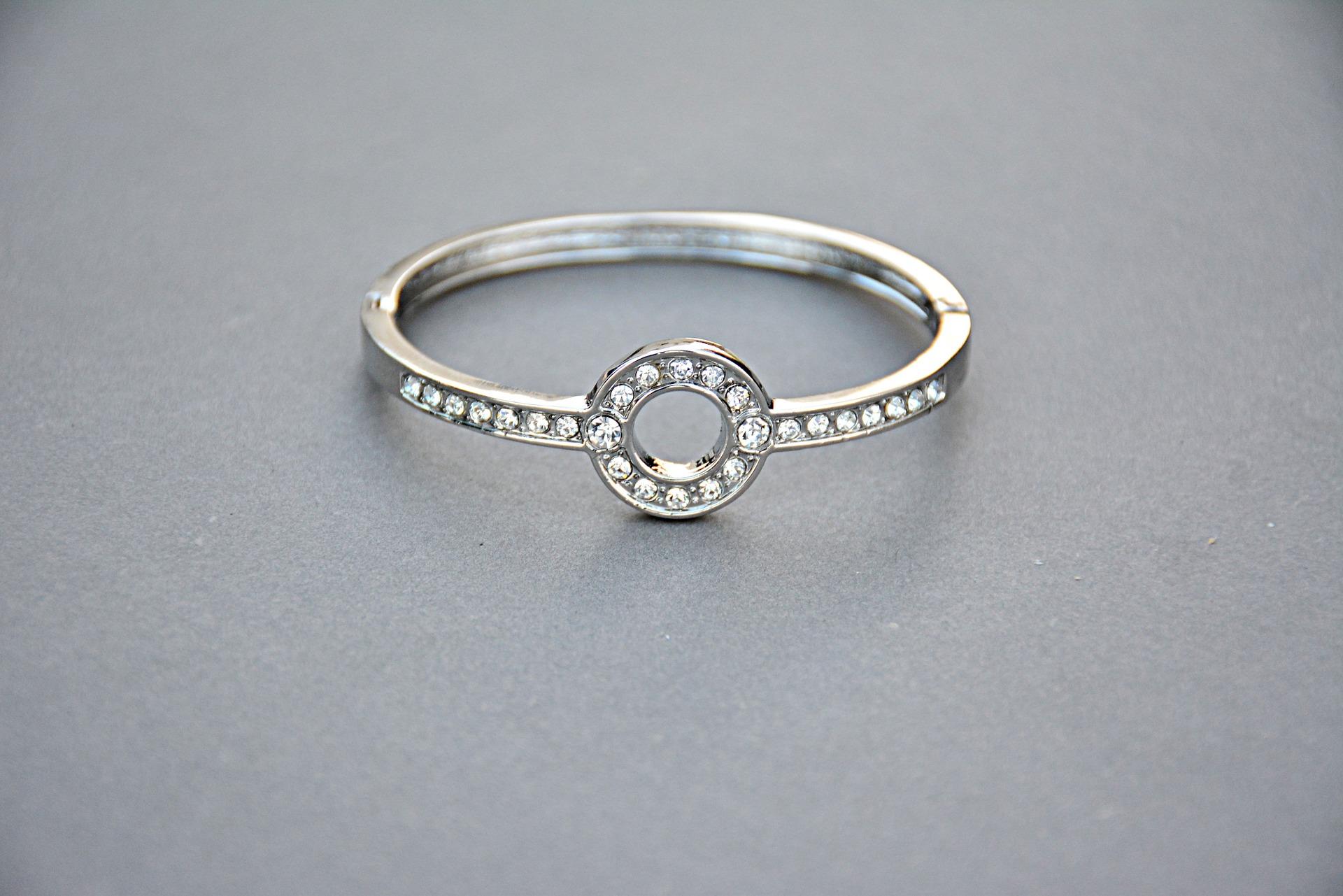 jewellery-1175528_1920